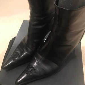 Chanel point toe boots in excellent condition